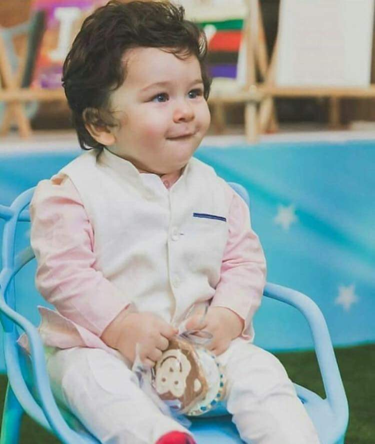 "25442814 1971088159574828 2640065179994341996 n - Taimur's Birthday Photos will leave you going ""Aww"""