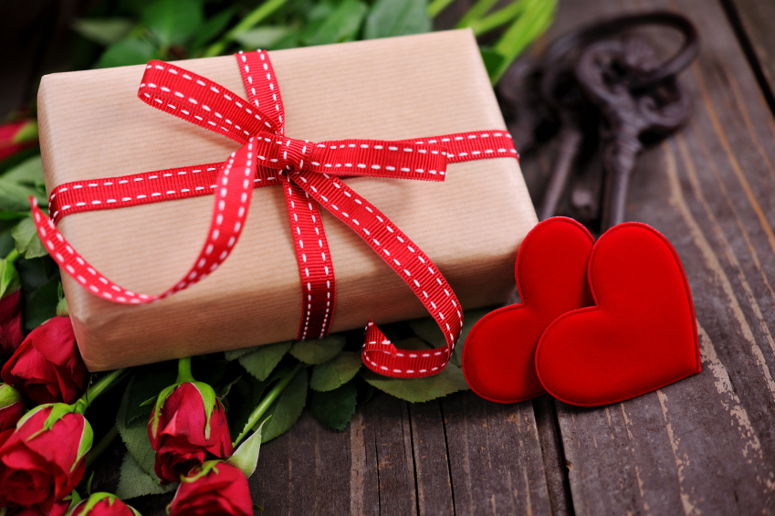 Valentine S Day Gifts For Her Let Her Know She S Special Bored